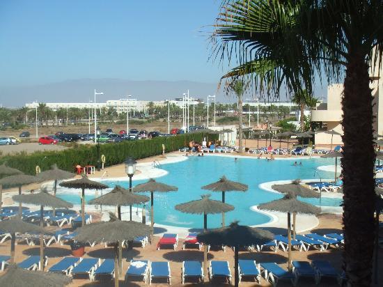 Alcazaba Mar Hotel: piscina
