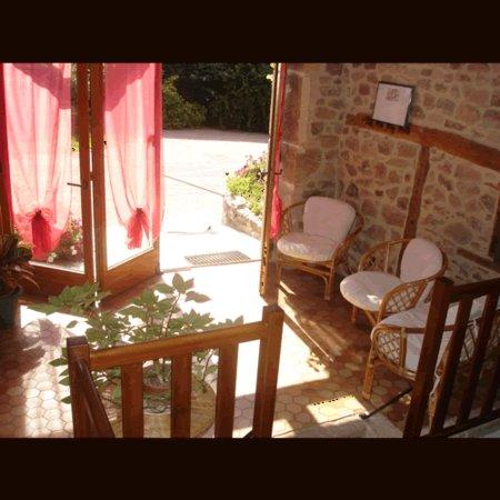 La Clayette, France: Le séjour, coin détente