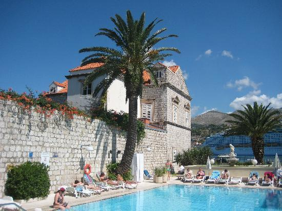 Hotel Lapad pool area
