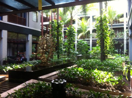 โรงแรมเมอร์เคียว คูตา: Lobby