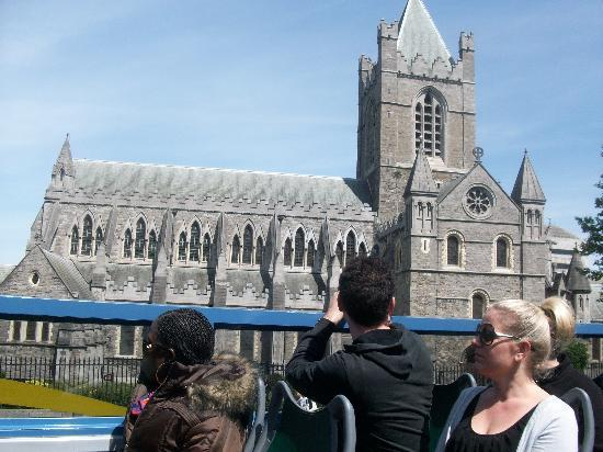 Dublin Bus Tour - Green Bus - Hop on Hop Off: The Green Bus on the Origianl route at St. Patrick's Cathedral