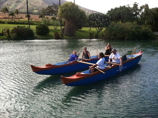Maui Paddler Hawaiian Outrigger Experience : Learning About Canoe Culture and Waikapu.