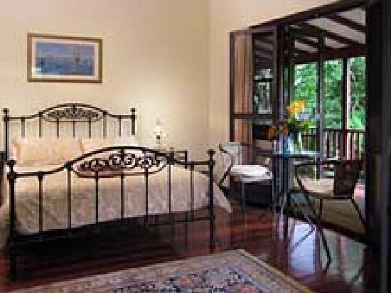 Mt Warning Bed and Breakfast Retreat: Guest Rooms with 1920's Charm