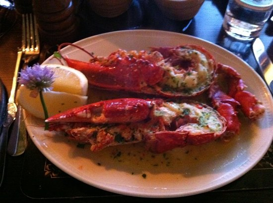 Packie's: lobster in garlic butter