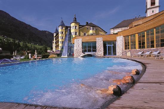 Hotel adler dolomiti spa sport resort ortisei italy - Piscine esterne ...