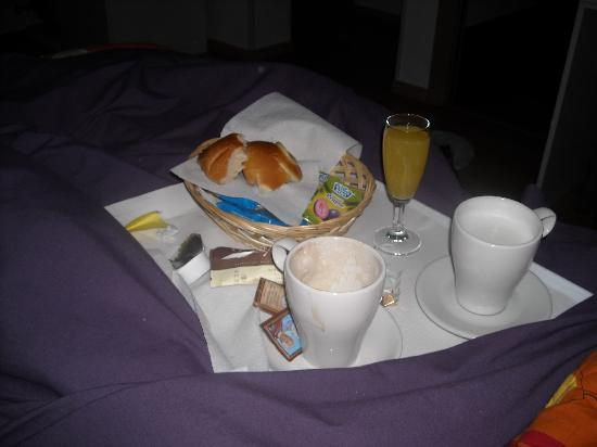 Emily Suites: prima colazione...