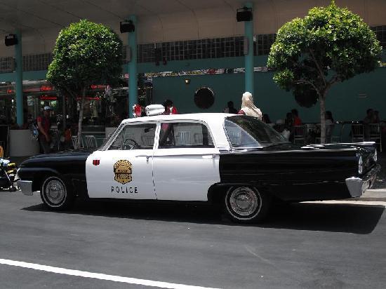 ยูนิเวอร์ซัล สตูดิโอ สิงคโปร์: Ploce Car in Hollywood