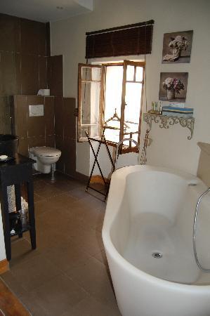 Bastide aux Camelias: Bathroom