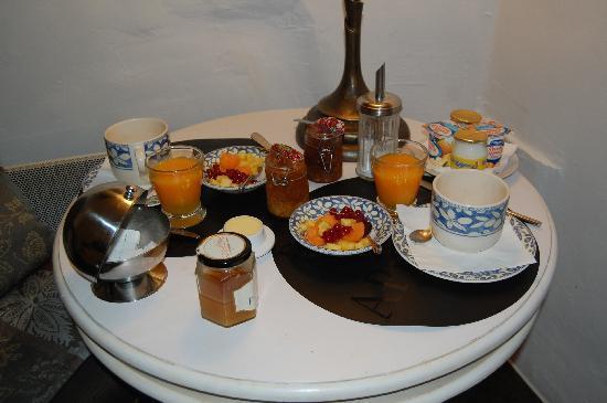 Bastide aux Camelias: breakfast