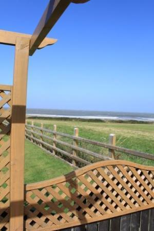 Ty Gwyn Guesthouse: The beautiful view from the new decking area.