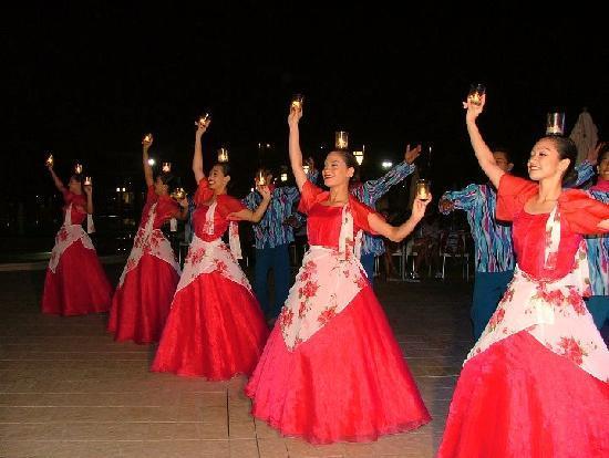 Roses Hotel: Spettacolo Folkloristico Filippino