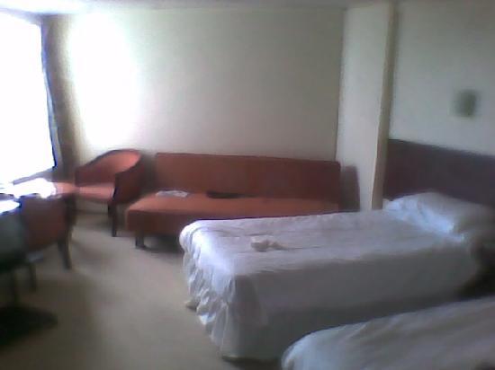 Grand Burstin Hotel: Bedroom on second floor