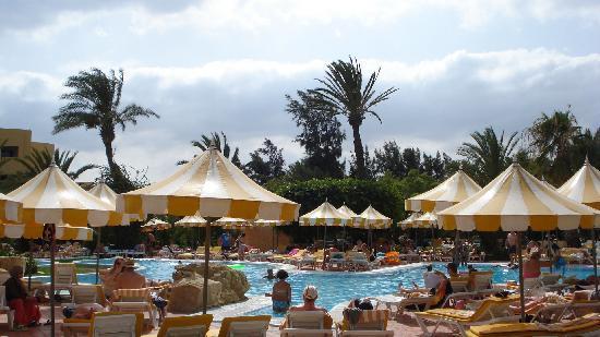 Chich Khan: Pool Area