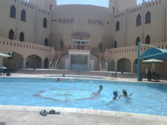 Majan Continental Hotel : View of the pool