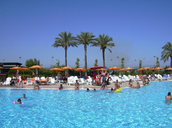 Torreserena Village: piscina