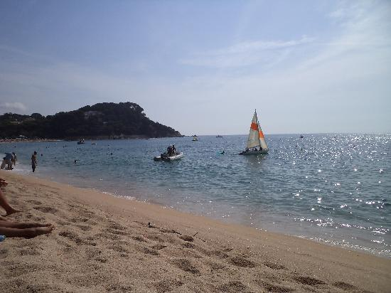 Hotel Fenals Garden: Great beach