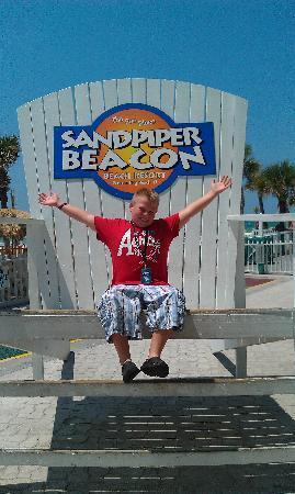 The Sandpiper Beacon Beach Resort: the big chair