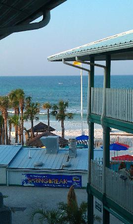 The Sandpiper Beacon Beach Resort: a wonderful view