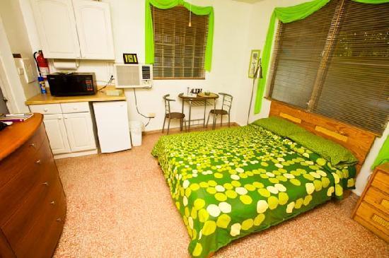 Casa Ensenada Waterfront Guesthouse: Pequeno Room