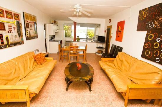 Casa Ensenada Waterfront Guesthouse: Grande Room