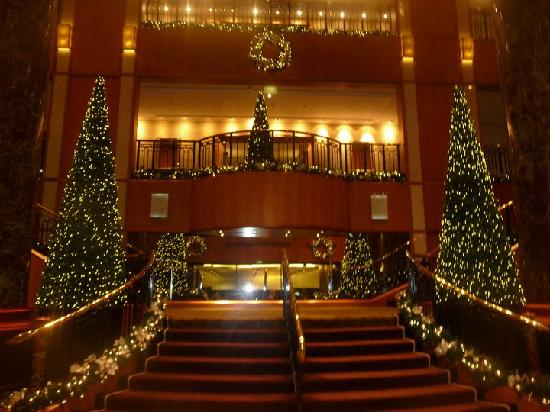 the foyer at christmas is amazing picture of sheraton on. Black Bedroom Furniture Sets. Home Design Ideas