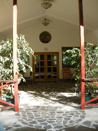 Cielito Sur Bed and Breakfast: view of great room