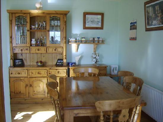 The Rock Equestrian Farm Bed & Breakfast : Dining Room