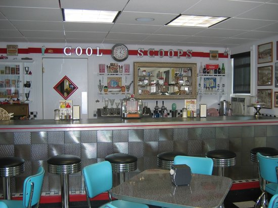 Cool Scoops : Great atmosphere, you can eat your ice cream sitting in a 50's car