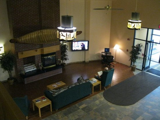 Watersmeet, MI: Cozy lobby, even better in the winter!