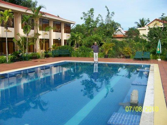 Hibiscus Angkor Resort : Pool
