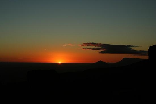 Camdeboo Adventure Tours: Sunset at the Valley of Desolation