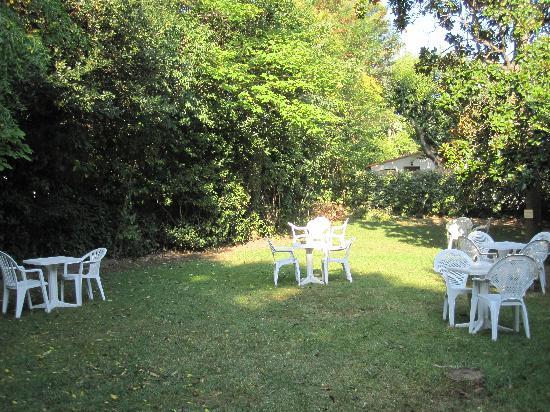 Le Petit Nice: Le jardin