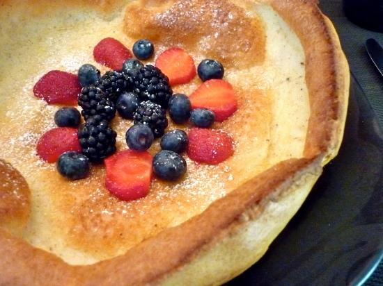Pheasants Run B&B: Debby's signature breakfast with huckleberry syrup, a must try!