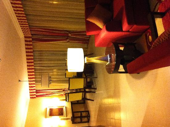 Marriott Executive Apartments Manama, Bahrain : Living & Dinning Rooms