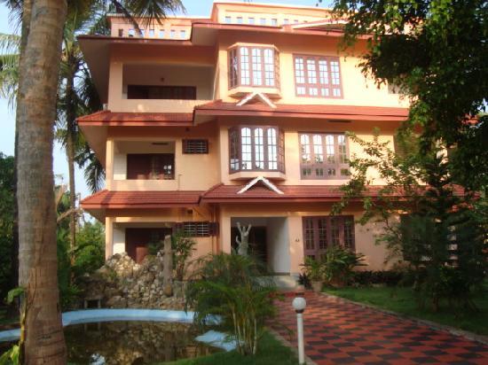Varkala Golden Beach Resort: Resort buiding