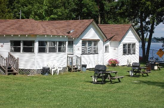 Plank Road Cottages & Marina: Cottages 9 to 11