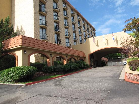 Embassy Suites by Hilton Denver Southeast : Stay Here