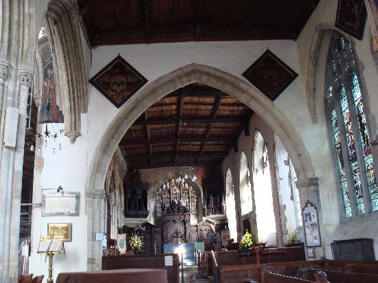 The Parish Church of St Thomas and St Edmund: Inside the church
