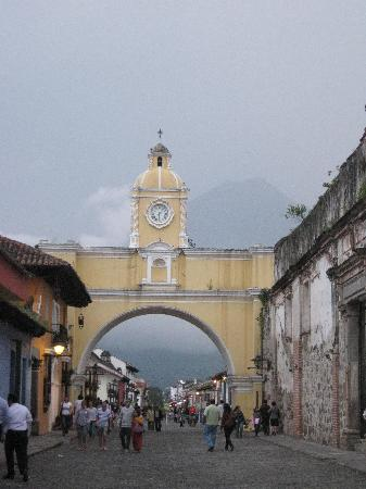 Guinness Travel - Day Tours: Arco de Santa Catalina Antigua Guatemala