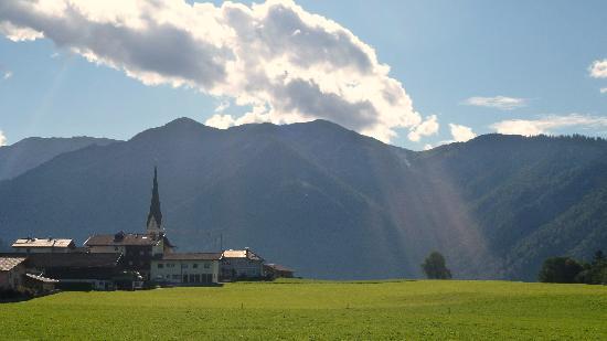 Gasthof Ascherwirt: View of the village on a walk