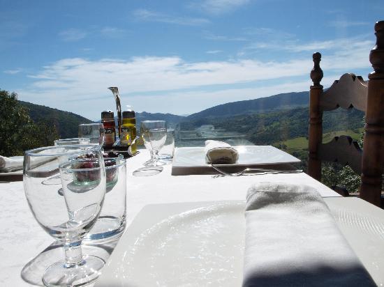 Vilallonga de Ter, إسبانيا: vistas desde bel comedor