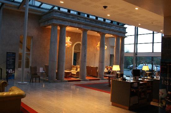 래디슨 블루 판엄 에스테이트 호텔, 캐번 사진