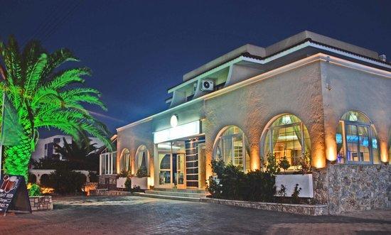 Sacallis Inn Beach Hotel: getlstd_property_photo
