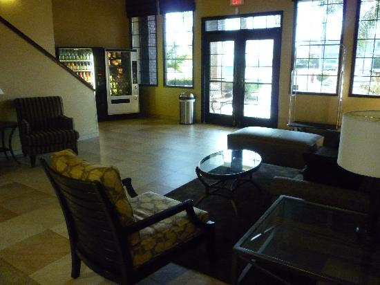 BEST WESTERN Town & Country Lodge: Hotel sitting area