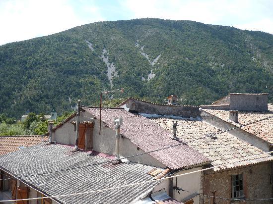 Auberge du Teillon: vue côté montagne