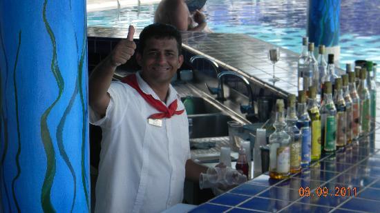 Melia Cayo Santa Maria : Osbiel du bar de la piscine