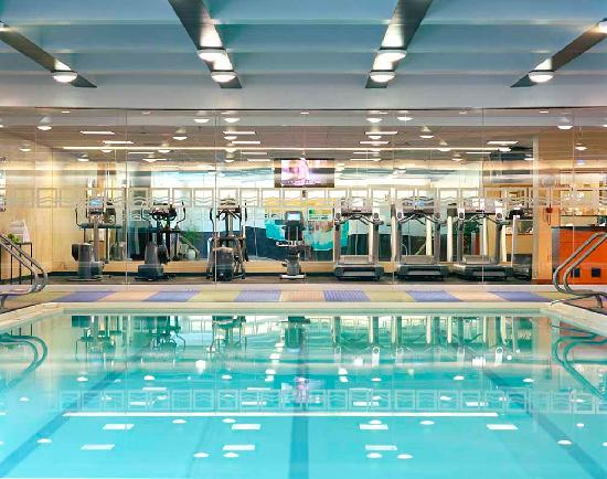 Hyatt Regency Boston: 52 foot heated, indoor pool