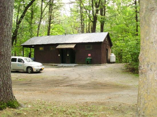 Lake George Campsites: Clean bathrooms and free showers