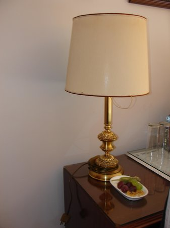 "Hotel Don Juan de Austria: Lámpara ""jubilable"""