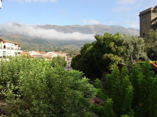 Hotel Don Juan de Austria: Vistas a la sierra de Gredos